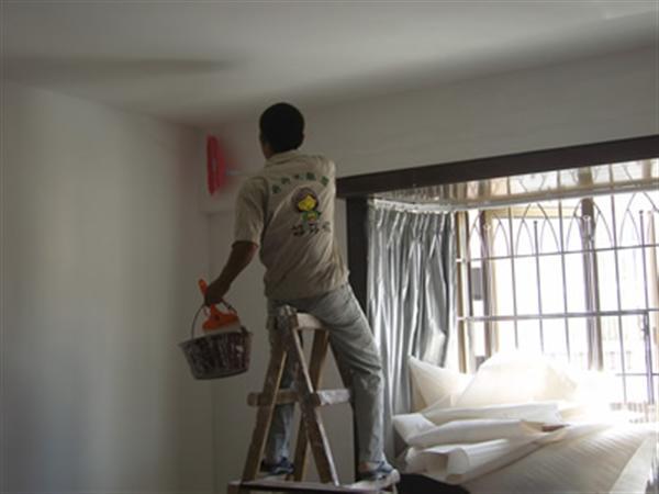 首页>>服务项目  泥水木工泥工:砌砖墙、砖砌化粪池 隔油
